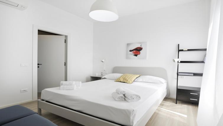 Bedroom at Goldoni Apartment - Citybase Apartments