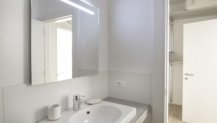 Sink at Goldoni Apartment - Citybase Apartments