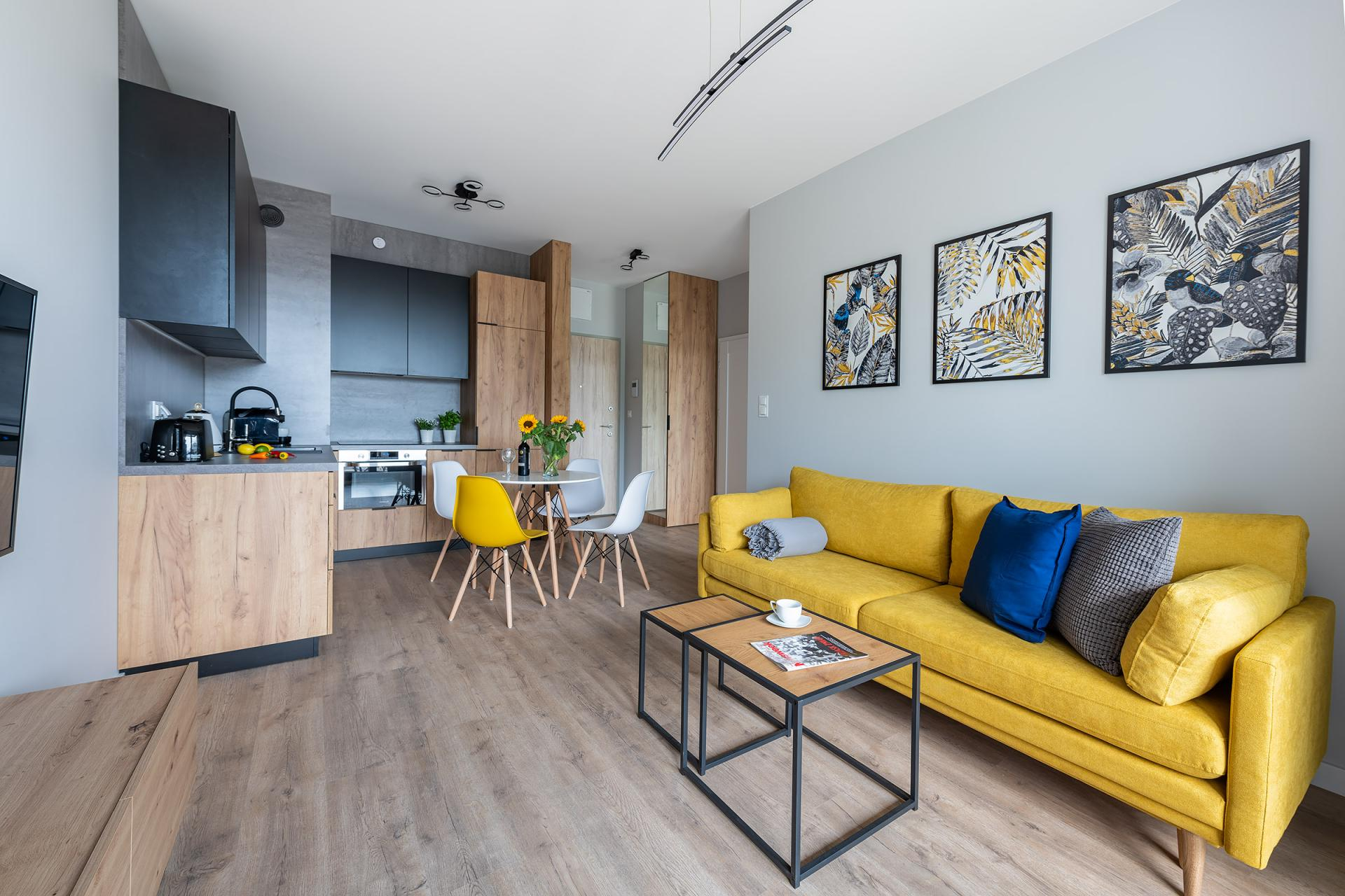 Open plan living at Cybernetyki 4 Apartment, Sluzewiec, Warsaw - Citybase Apartments