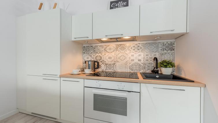 Full kitchen unit at P&O Apartments Andersa - Citybase Apartments