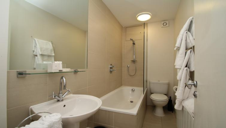 Pristine bathroom at Picton Place Apartments - Citybase Apartments