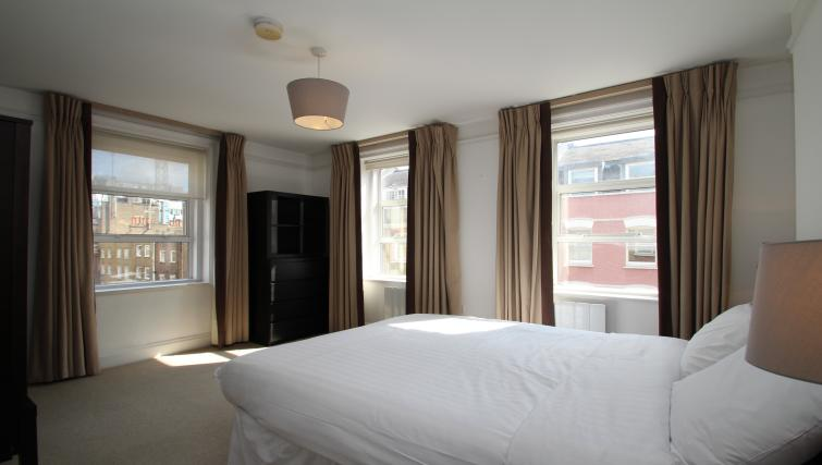 Large bedroom at Picton Place Apartments - Citybase Apartments