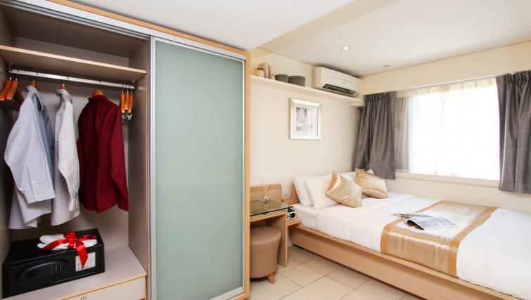 Bedroom storage at Wan Chai Apartments - Citybase Apartments