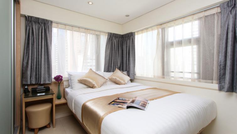 Bed at Wan Chai Apartments - Citybase Apartments