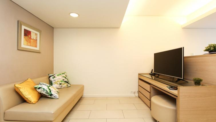Cosy living space at Wan Chai Apartments - Citybase Apartments