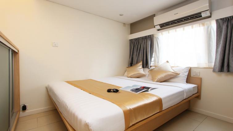 Comfortable bed at Wan Chai Apartments - Citybase Apartments