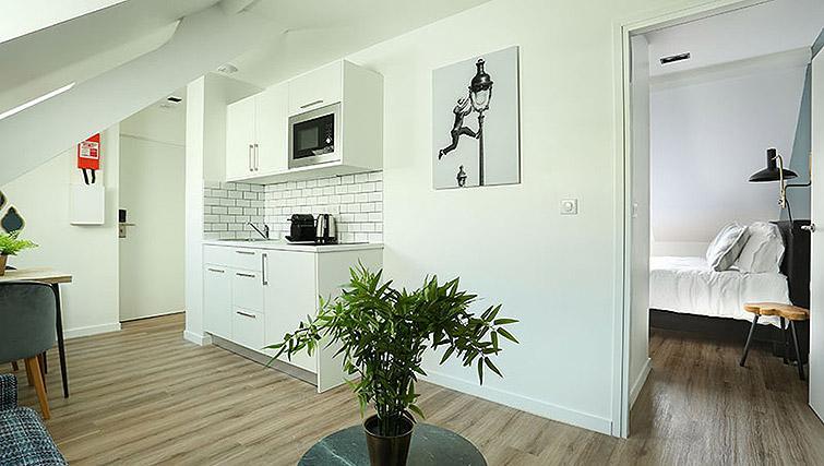 Modern kitchen at Eiffel Village Apartments - Citybase Apartments