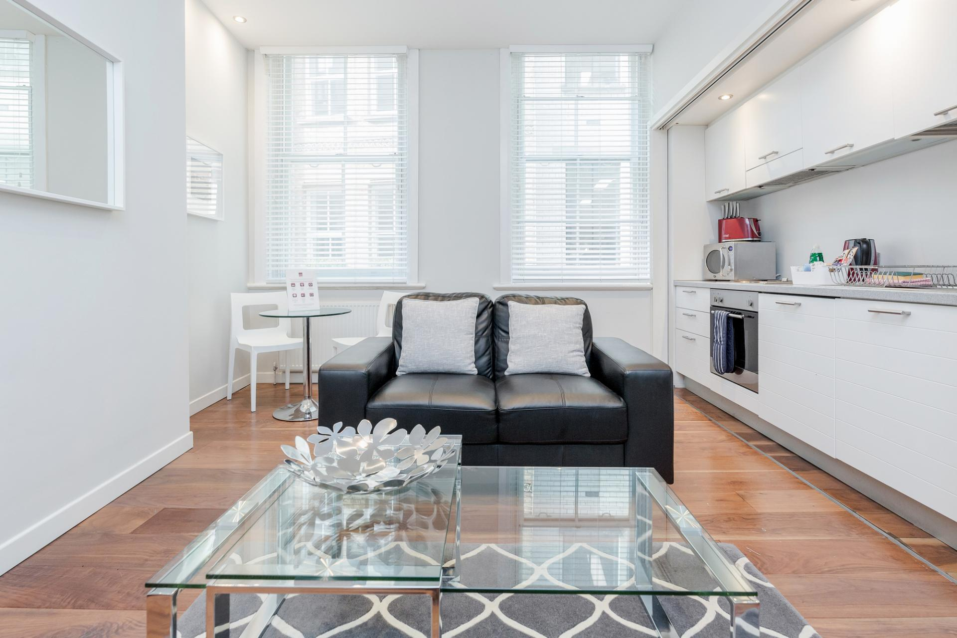 Living area at Sterling House Apartments, Holborn, London - Citybase Apartments
