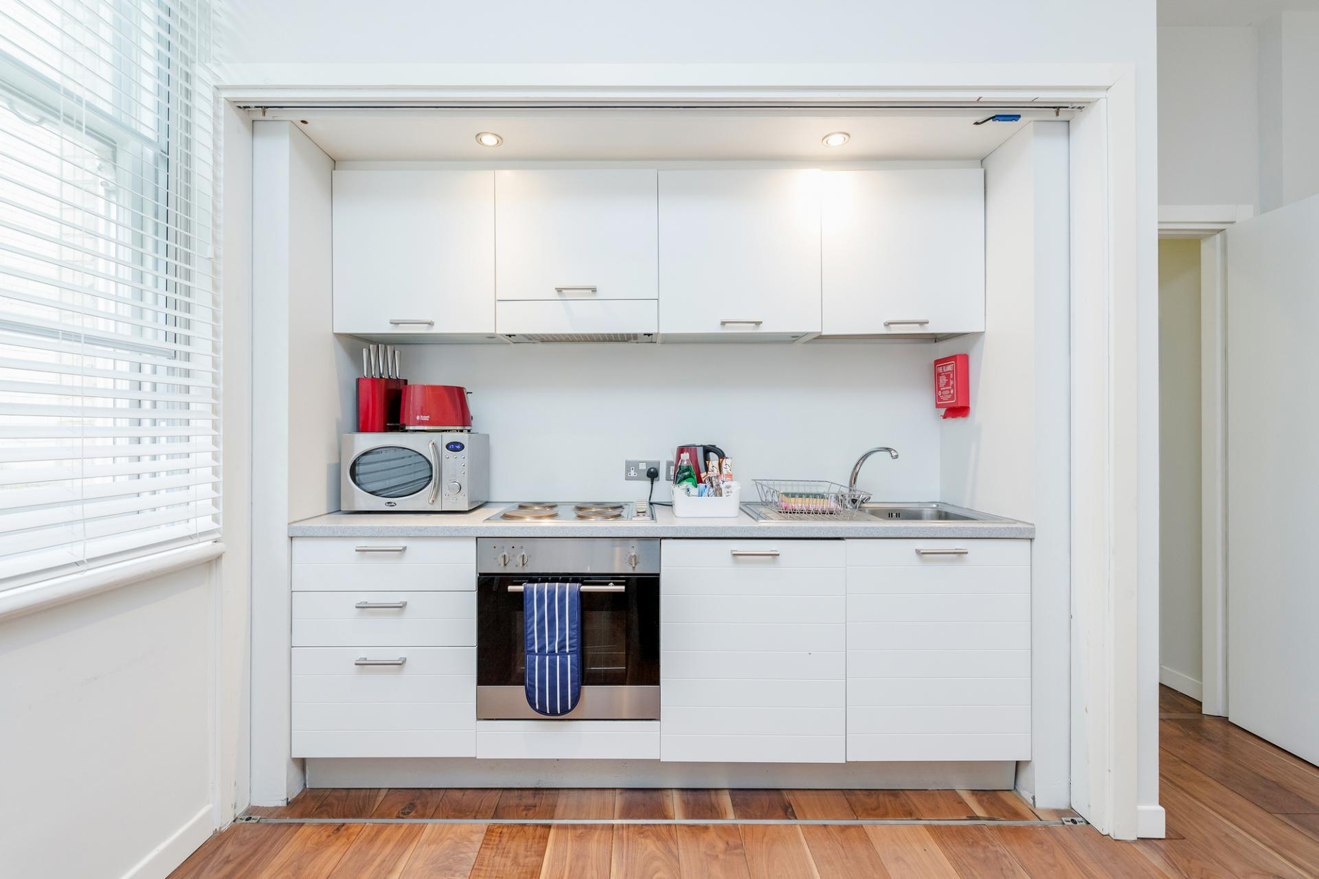 Kitchen at Sterling House Apartments, Holborn, London - Citybase Apartments