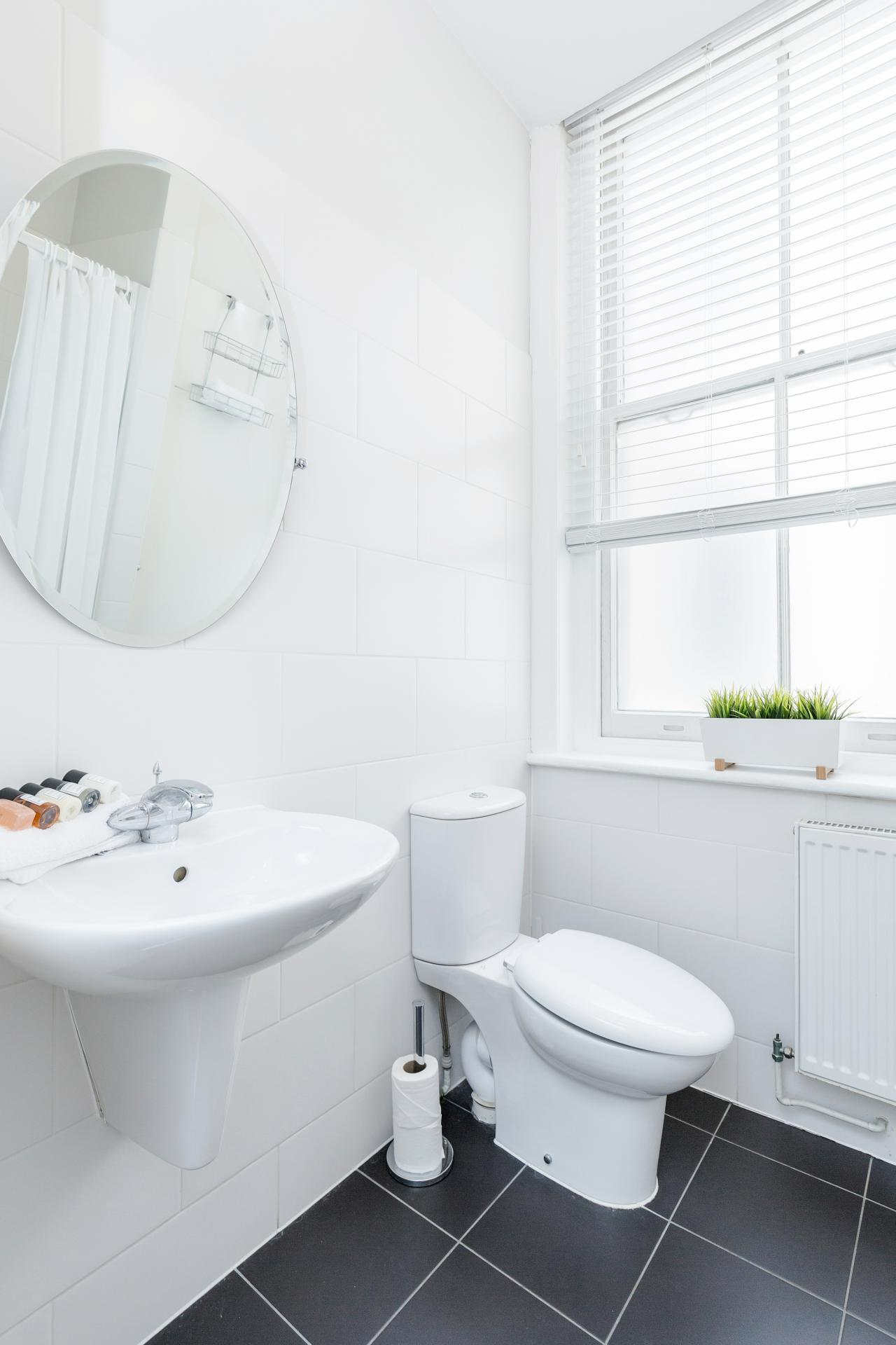 Bathroom at Sterling House Apartments, Holborn, London - Citybase Apartments