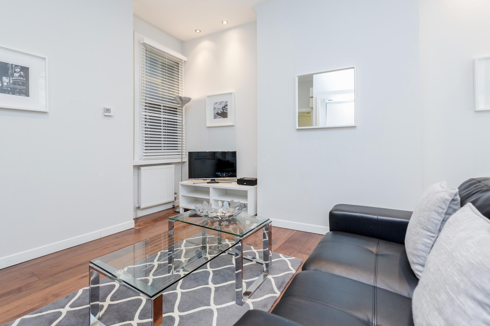 TV at Sterling House Apartments, Holborn, London - Citybase Apartments