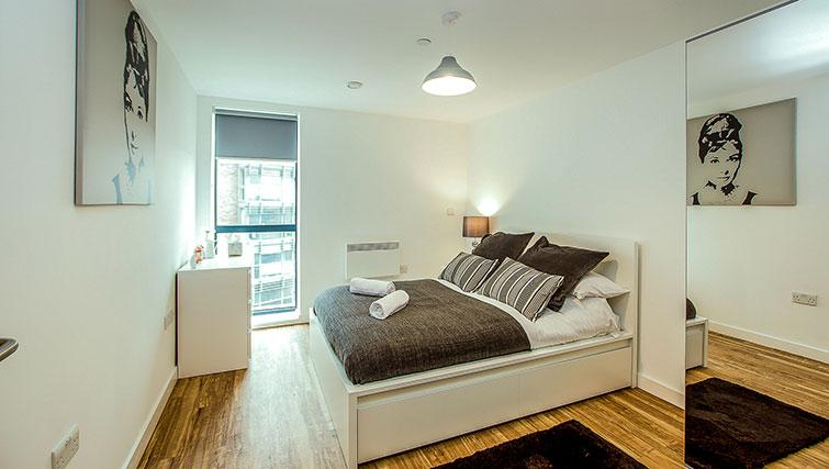 Double bedroom at X1 Aire Apartments - Citybase Apartments