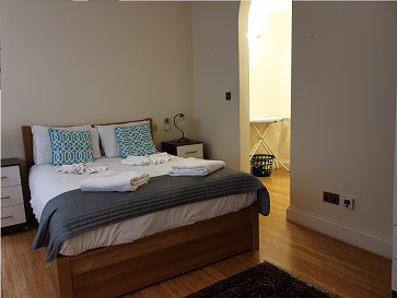 Cosy bedroom at Still Life Monument Executive Apartment - Citybase Apartments