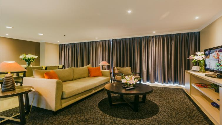 Living room at the Hotel Kristal Jakarta - Citybase Apartments