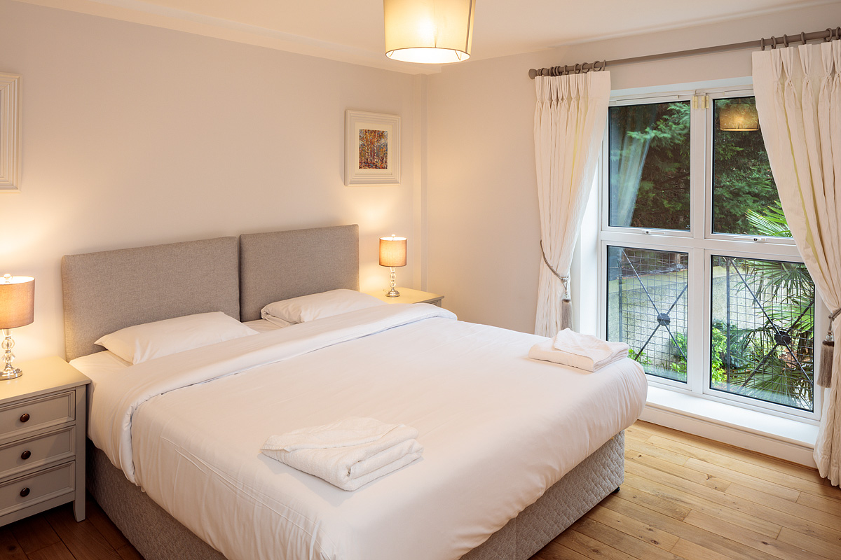 Second bedroom at Baggot Rath House Apartments, Ballsbridge, Dublin - Citybase Apartments