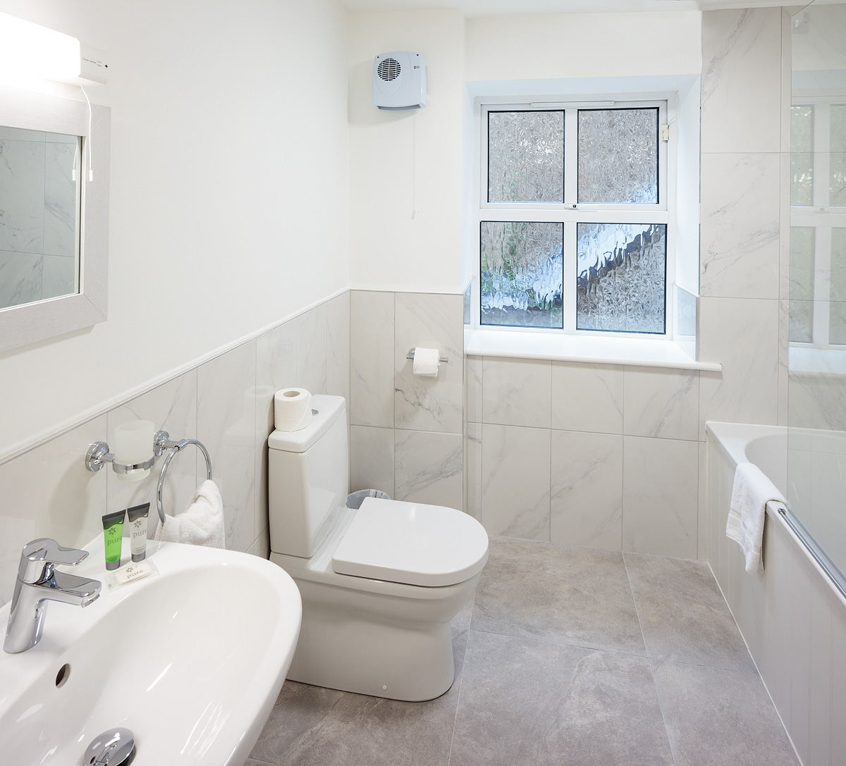 WC at Baggot Rath House Apartments, Ballsbridge, Dublin - Citybase Apartments