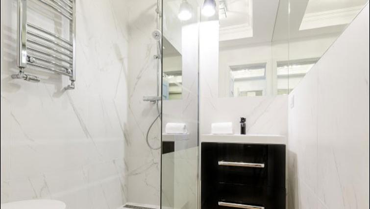 Bathroom at the Emilii Plater Apartments - Citybase Apartments