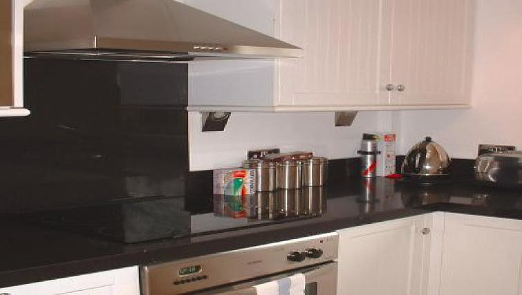 Modern kitchen in Tankerfield Place Apartments - Citybase Apartments