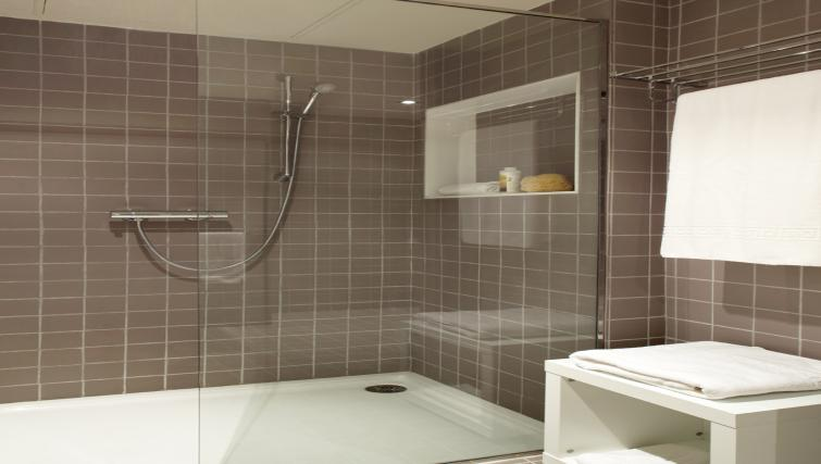 Shower at The Urban Suites Barcelona - Citybase Apartments