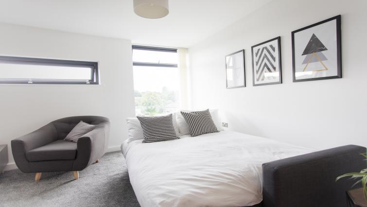 Sofa bed at Bridge Square Apartments - Citybase Apartments