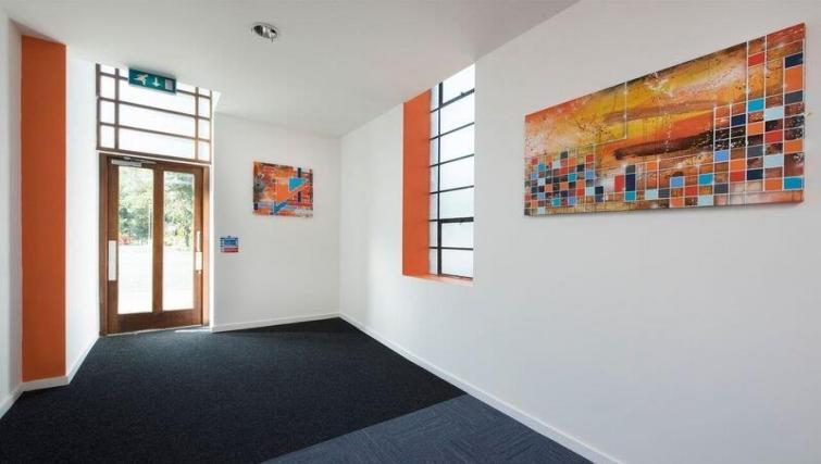 Entrance at Bridge Square Apartments - Citybase Apartments