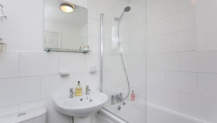 Bathroom at Flamingo Court Apartment - Citybase Apartments