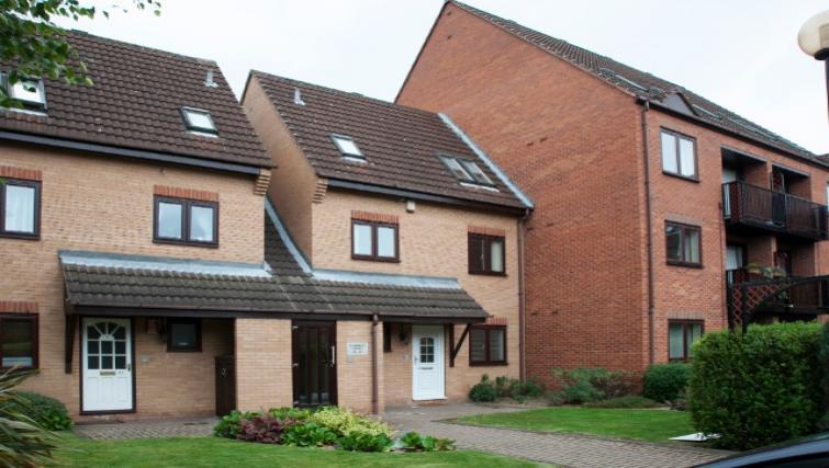 Exterior view of Flamingo Court Apartment - Citybase Apartments