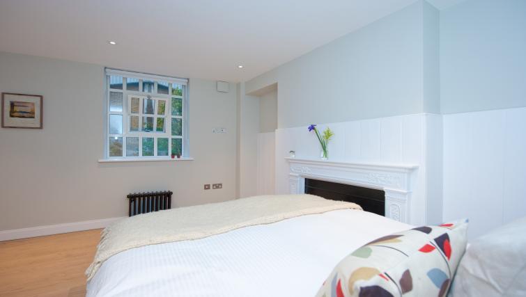 Bedroom at Spitalfields Hanbury Apartment - Citybase Apartments