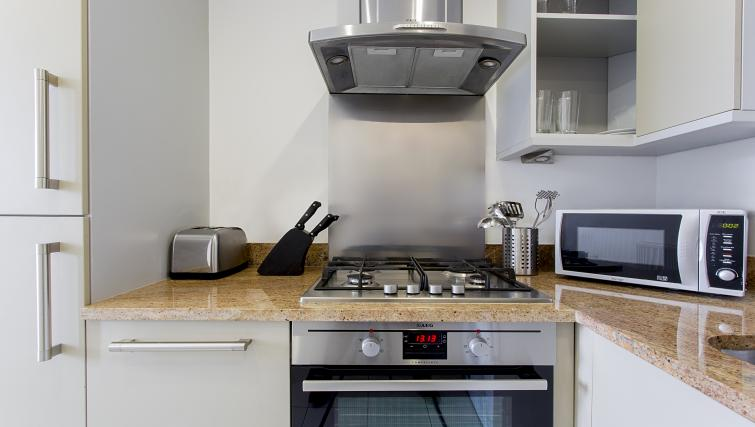 Equipped kitchen at Flying Butler Limehouse - Citybase Apartments