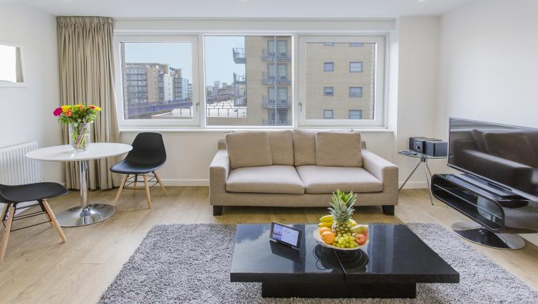 Living area at Flying Butler Limehouse - Citybase Apartments
