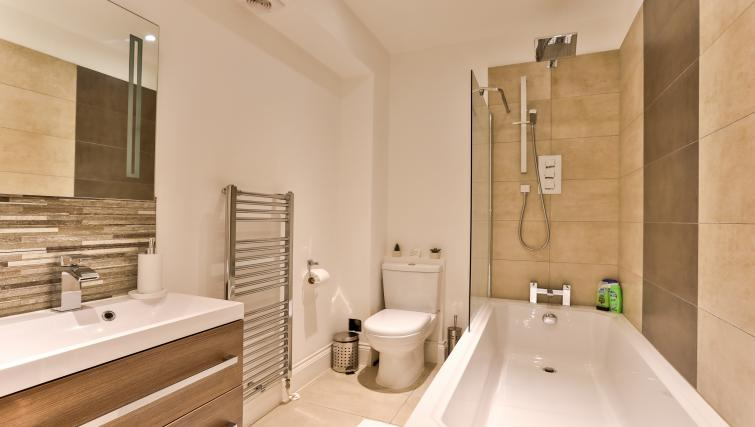 Bathroom at Jubilee Mansions Apartments - Citybase Apartments