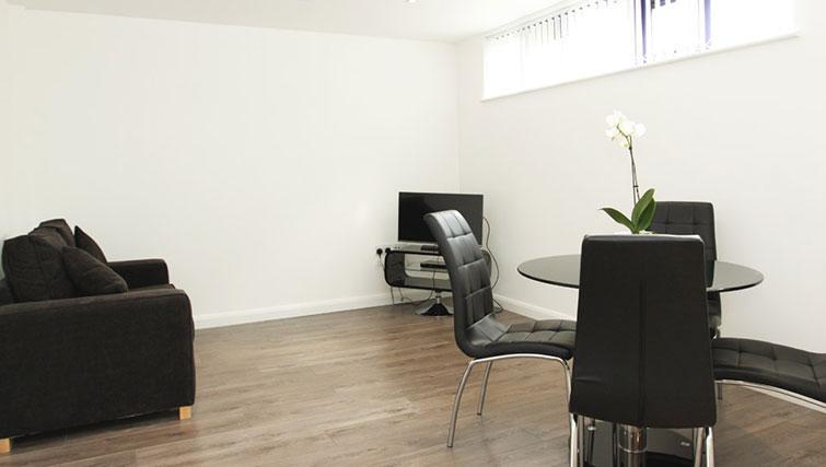 Living area at Linton Apartments - Citybase Apartments