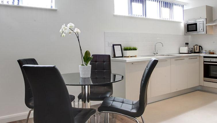 Dining area at Linton Apartments - Citybase Apartments