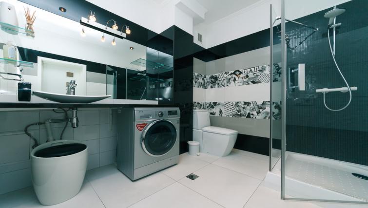 Bathroom at Darvina Apartment - Citybase Apartments