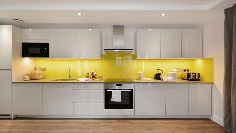 Kitchen at Aldgate City Apartments - Citybase Apartments