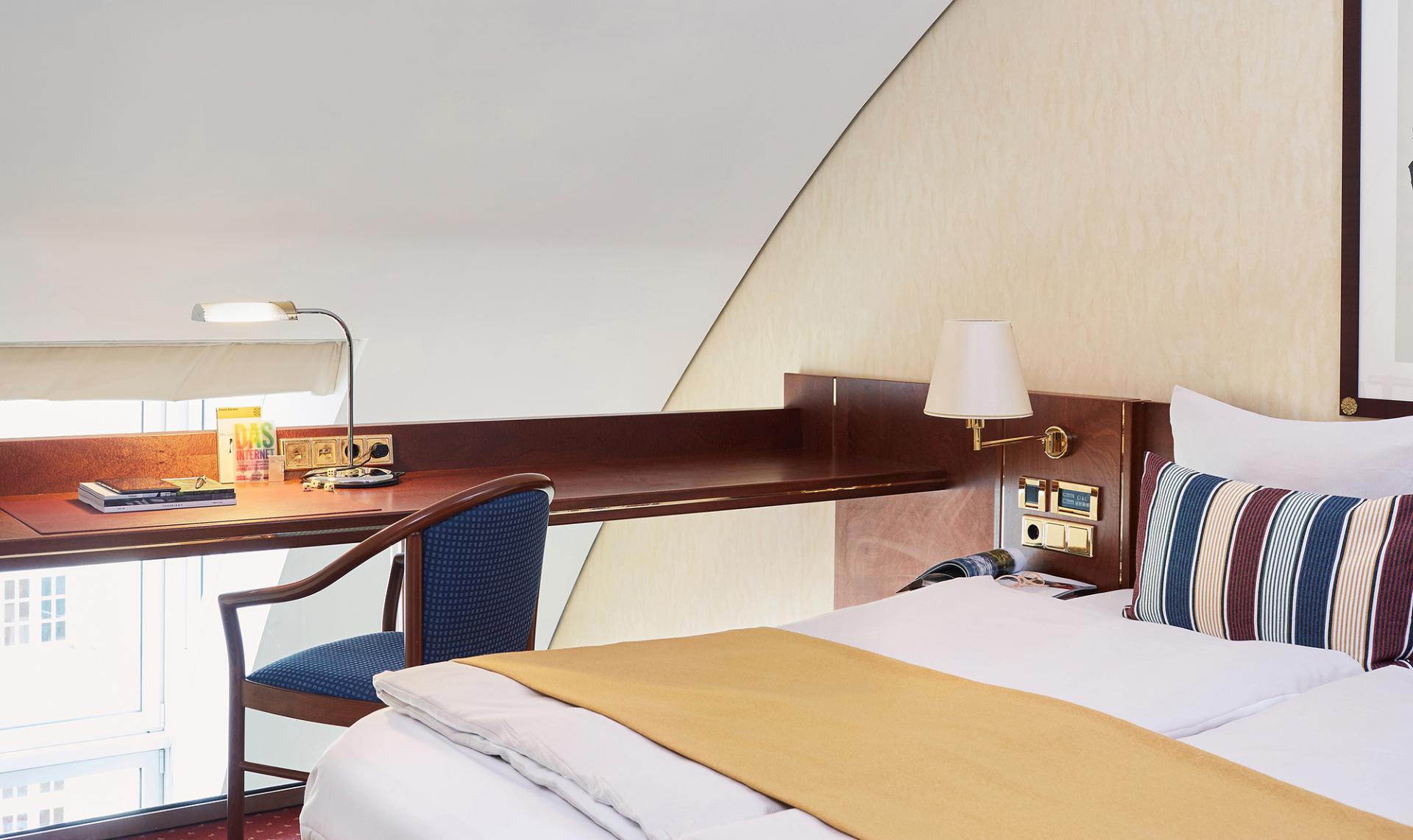 Work desk at Living Hotel Prinzessin Elisabeth Apartments, Glockenbachviertel, Munich - Citybase Apartments