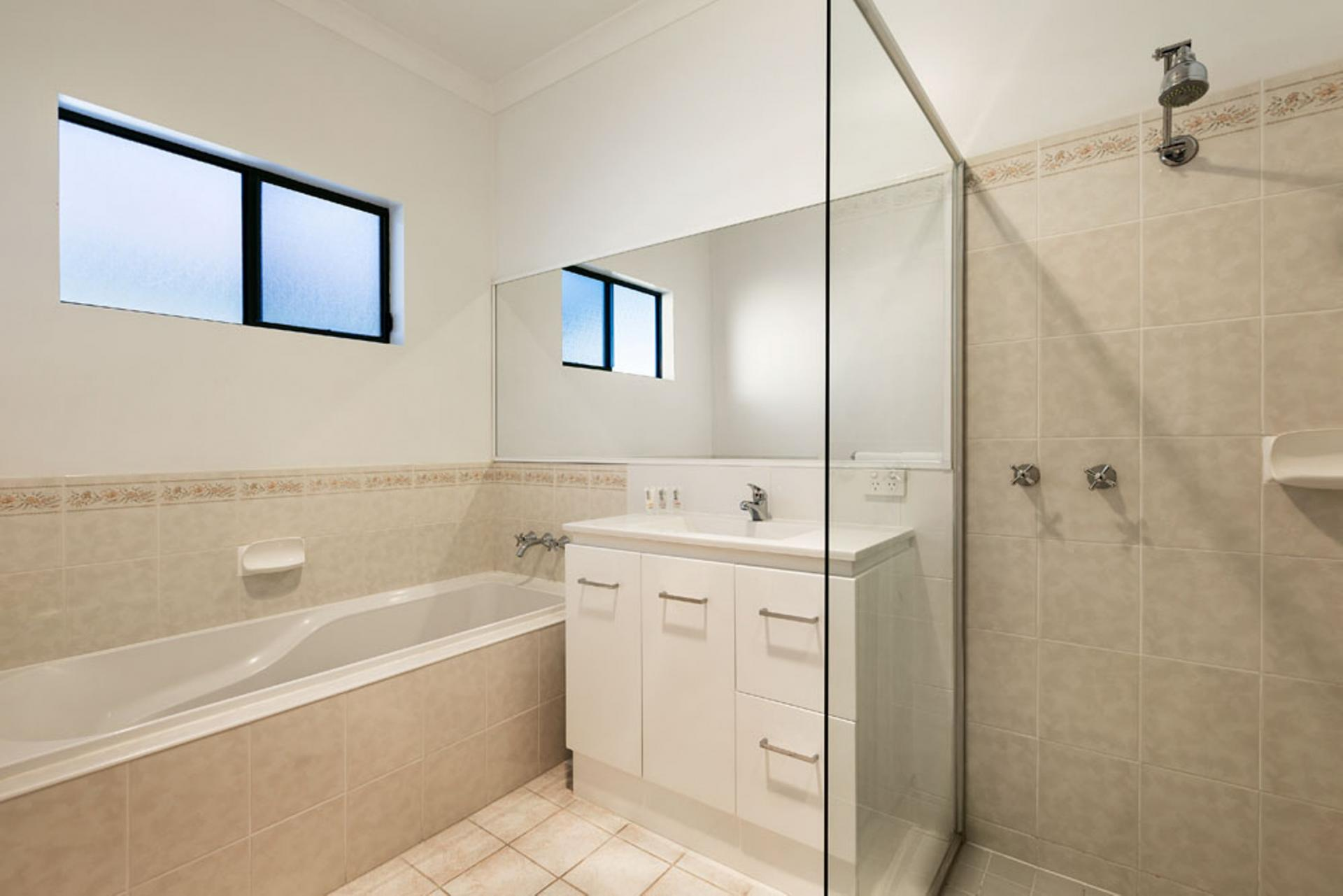 Bathroom at Quest Trinity House - Citybase Apartments