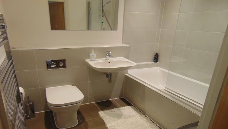 Bathroom at the Maidenhead Apartment - Citybase Apartments