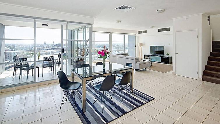 Dining area at Mid Town Sydney Apartments - Citybase Apartments