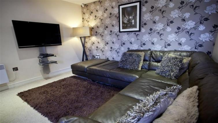 Sofa at York Terrace Apartments - Citybase Apartments