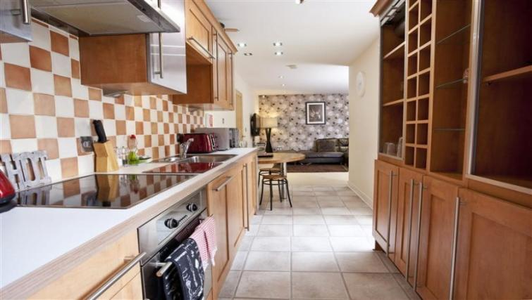 Kitchen at York Terrace Apartments - Citybase Apartments