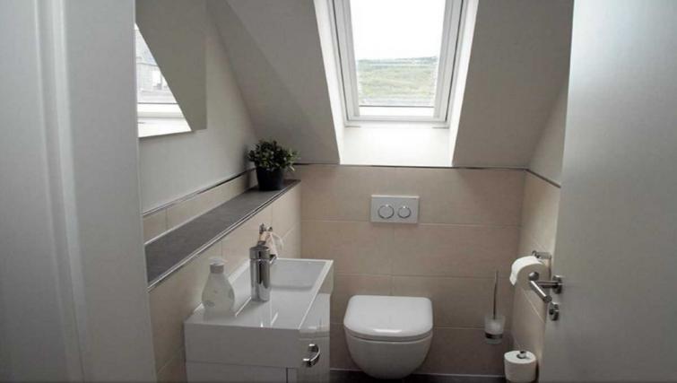 WC at Pellenzblick Apartments - Citybase Apartments