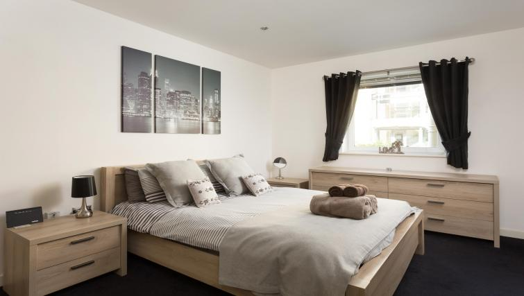 Bedroom at the Venice House - Citybase Apartments