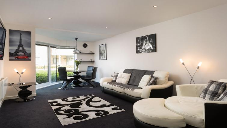 Lounge at the Venice House - Citybase Apartments
