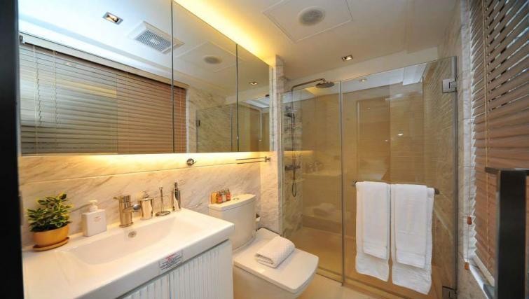 Bathroom facilities at the Y Apartments - Citybase Apartments