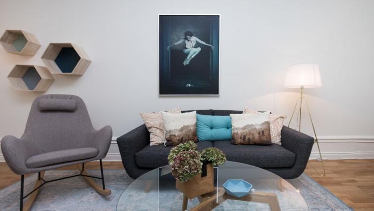 Living area at Upplandsgatan 61 Apartments - Citybase Apartments