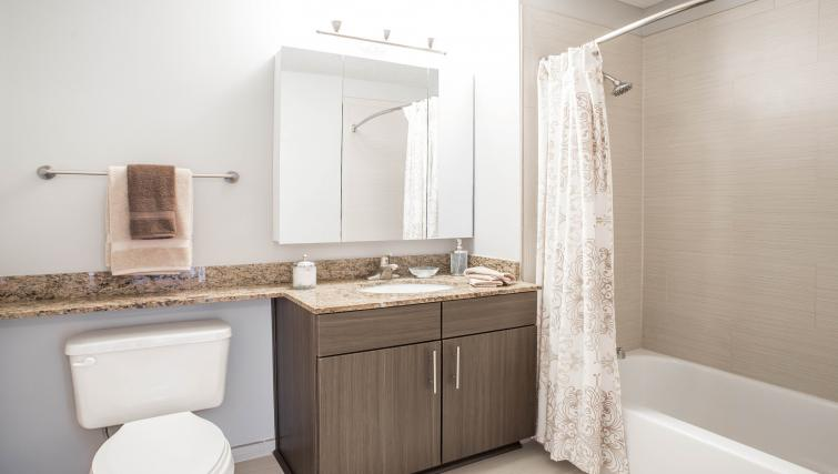 Bathroom at 180 N Jefferson Apartments - Citybase Apartments