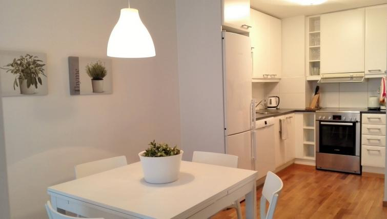 Dining room at the Koulukatu Apartment - Citybase Apartments