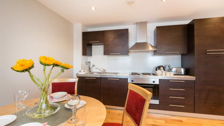Dining area at Maida Vale Aparthotel - Citybase Apartments