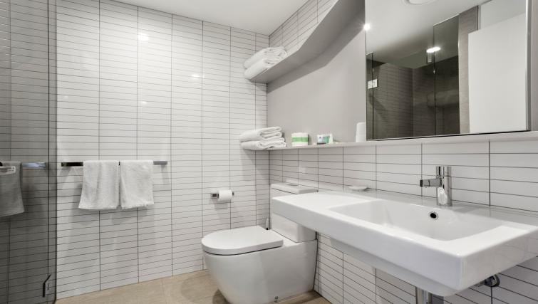 Bathroom at Platinum City Serviced Apartments - Citybase Apartments